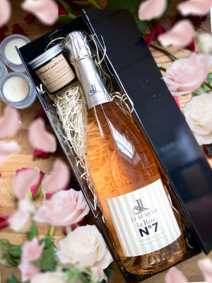 Domaine J.Laurens, Crémant de Limoux 'La Rose No.7' NV 75cl and 2oz Kelham Candle Co Set