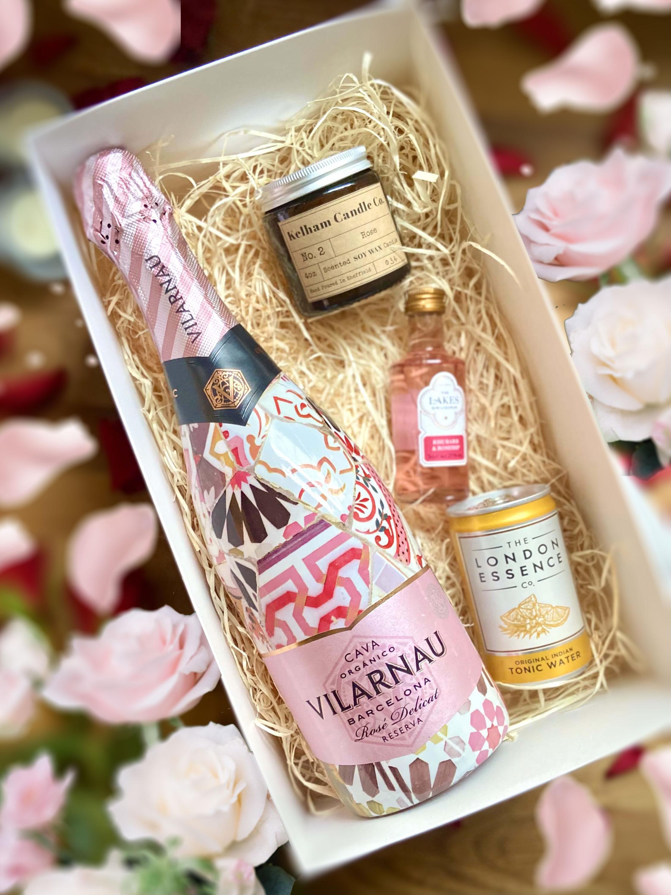 Vilarnau Rose Cava 75cl, 4oz Kelham Candle, Lakes Gin Rhubarb and Rosehip 5cl and London Essence Tonic can 150ml Set