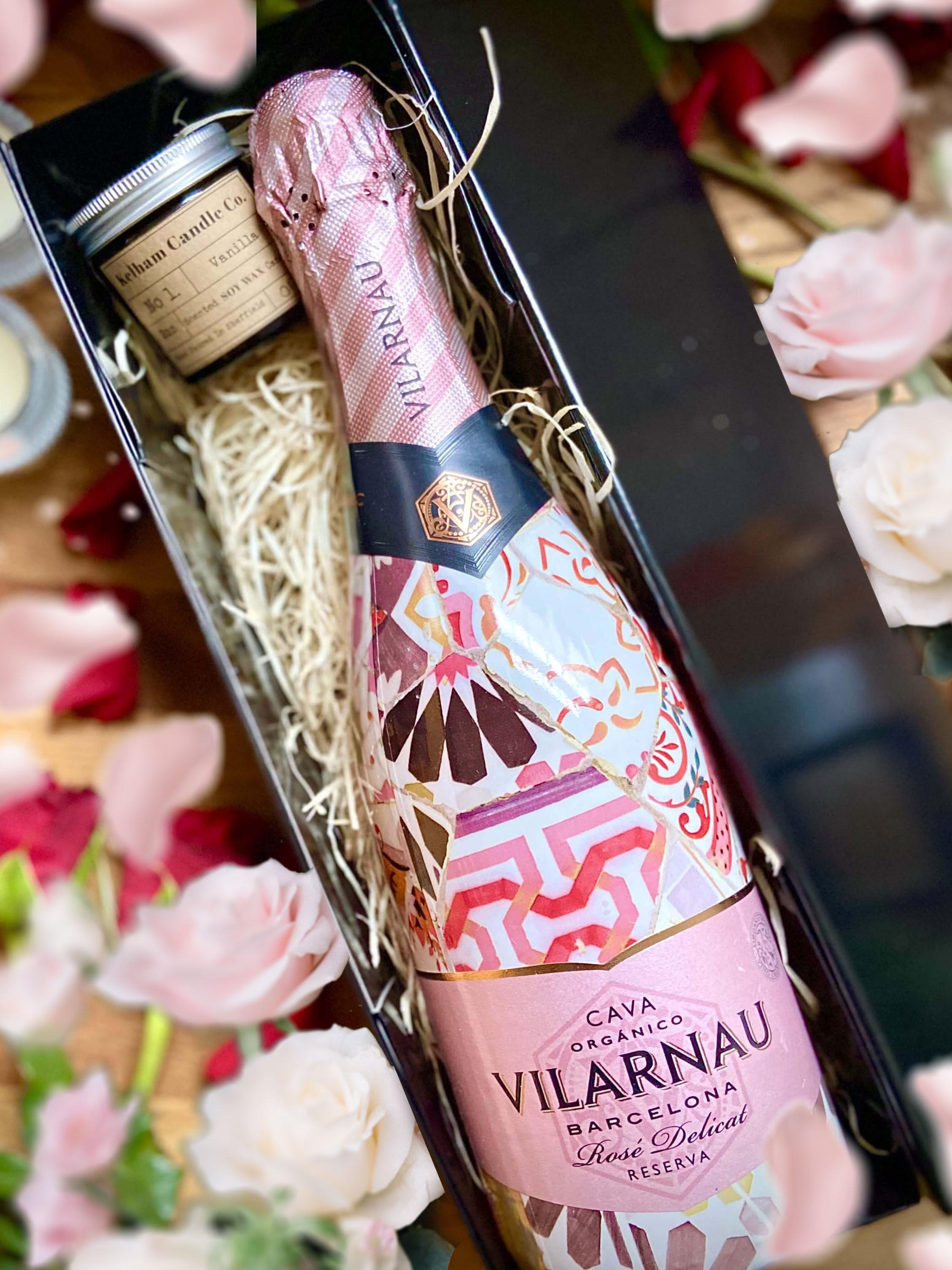 Vilarnau Rose Delicat Rose Cava (Gaudi Sleeve) 75cl and 2oz Kelham Candle Co Set