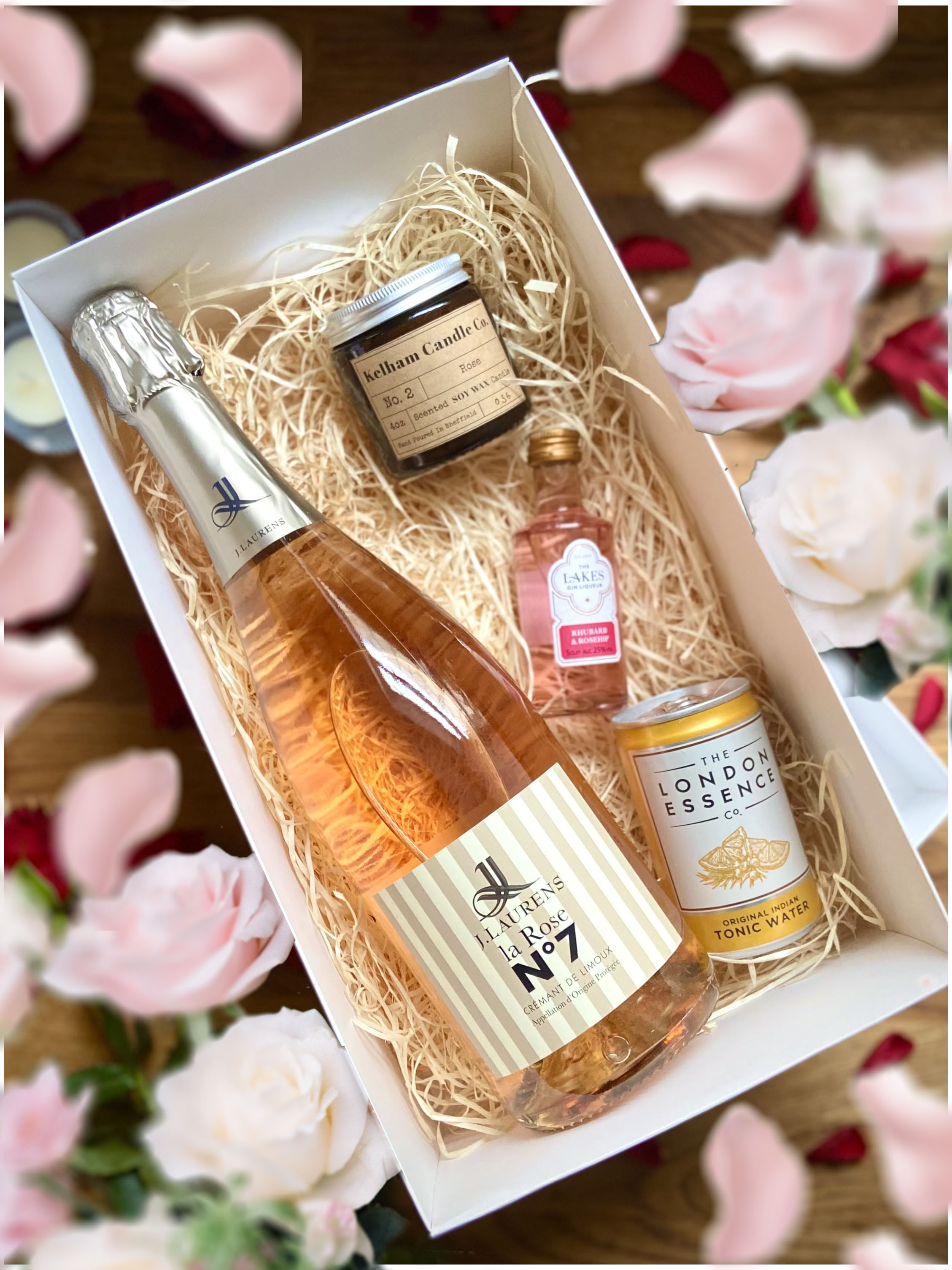J.Laurens, Crémant Rose 75cl, 4oz Kelham Candle, Lakes Gin Rhubarb and Rosehip 5cl and London Essence Tonic can 150ml Set