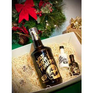 Gift Box - Dead Man's Fingers Spiced Rum, 2 Skull Shot Glasses,  1 Coconut Rum Miniature, 1 Spiced Rum Miniature
